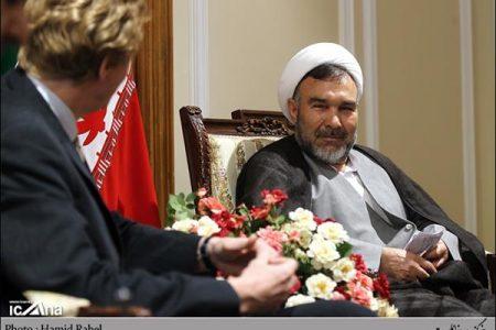 افطاری لاریجانی با هیأت رئیسه ۳ دوره