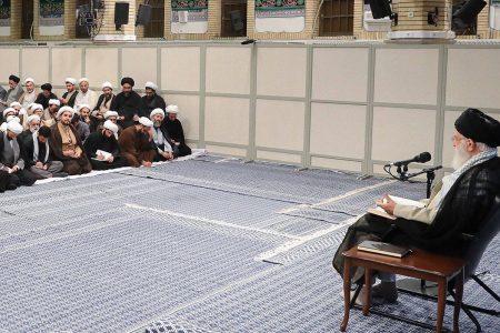 تصاویری از حضور دکتر سبحانی نیا در درس خارج مقام معظم رهبری