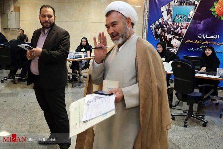 واکنش رسان های مجازی به ثبت نام دکتر سبحانی نیا برای انتخابات مجلس یازدهم